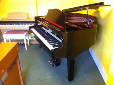 Classenti Baby Grand Piano AG1 Polished Ebony