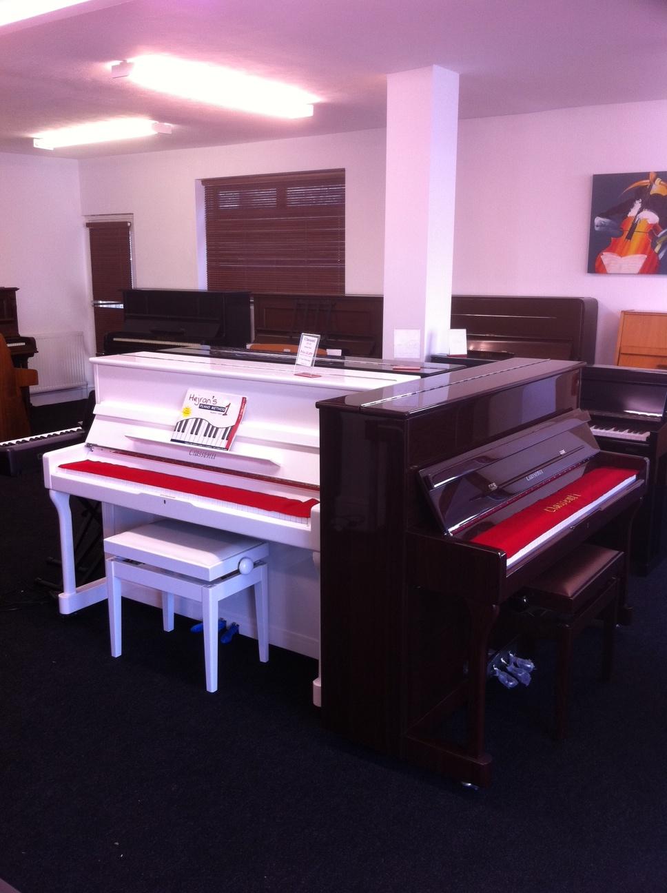 used digital pianos second hand yamaha clavinova roland casio. Black Bedroom Furniture Sets. Home Design Ideas