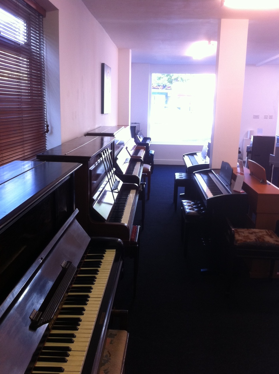 uk pianos shop in enfield north london uk. Black Bedroom Furniture Sets. Home Design Ideas